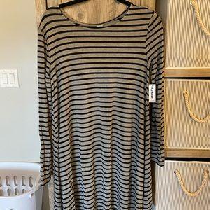 Dresses & Skirts - Bundle of 2 Flowy Long Sleeve Tshirt Dresses